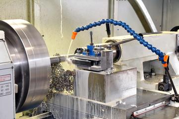 turning center cnc // CNC Drehmaschine Metallverarbeitungsprozes