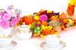 Herbstlich geschmückter Kaffeetisch