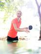 glückliche Frau macht Sport