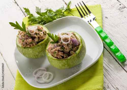 zucchinis stuffed with tuna and onions