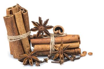 Canela y otras especias para aromatizar postres
