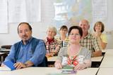 Fototapety Klassenzimmer mit Erwachsenen