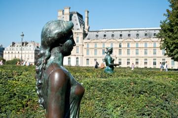Statues jardin des tuileries à Paris