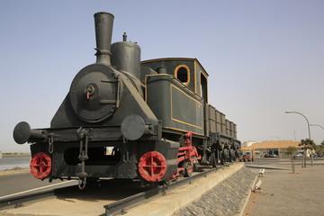 Máquina antigua de tren en Huelva