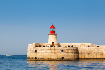 lighthouse in Grand Harbour