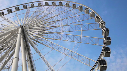 Video 1920x1080 - Ferris wheel against the sky close-up