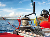 Sailing boat winch with rope