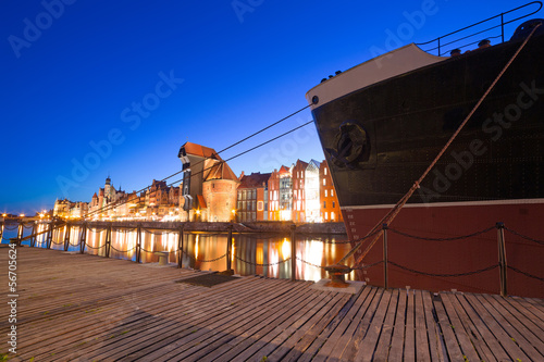 Old town of Gdansk with ancient crane at night, Poland © Patryk Kosmider