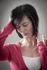 Kopfschmerzen und Nackenverspannungen