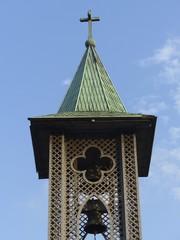 Kirchturm mit Glocke einer christlichen Gemeinde in Istanbul