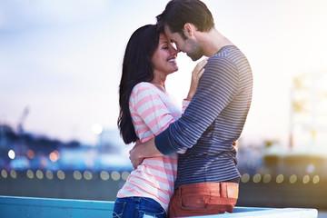 romantic couple near santa monica pier