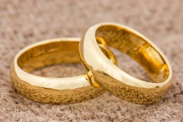 Wedding rings on the burlap