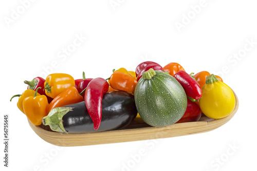 Frisches Gemüse auf weißem Hintergrund