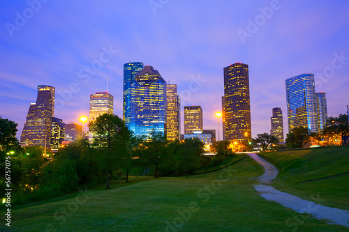 Foto Spatwand Texas Houston Texas modern skyline at sunset twilight from park