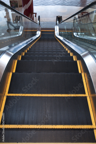 Escalator with Yellow line
