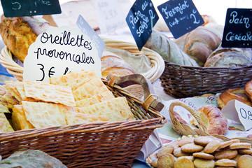 Oreillettes provençales au marché