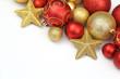 Weihnachtliche Dekoration auf Weißem Hintergrund