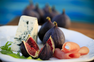Italian antipasto figs with prosciutto and gorgonzola