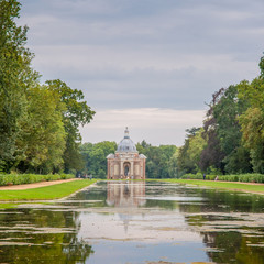 English gardens, 18th century