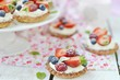 summer berries tartlets