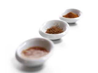 rote Chili Sauce, Chilifäden und Chilipulver