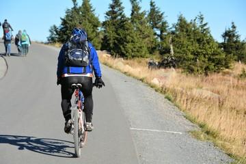 Radfahrer auf dem Weg zum Brocken