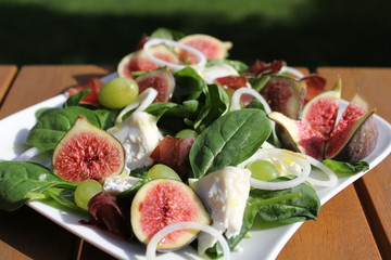 salade de figues et fromage, figs, cheese, raisin