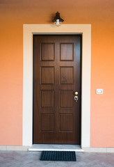 Porta di legno ingresso di casa