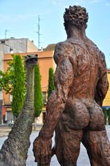 Figueras, Figueres, Sant Jordi, Mercè Riba, bronce