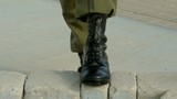 How to tie army boots