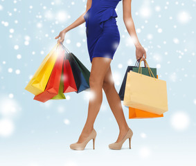 long legs with shopping bags