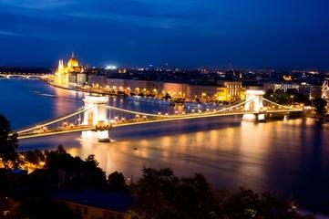 Széchenyi Chain Bridge (Széchenyi Lánchíd) in Budapest, Hungary