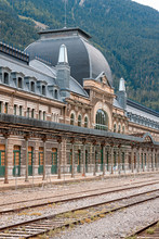 Station de chemin de fer abandonnée de Canfranc, Huesca, Espagne