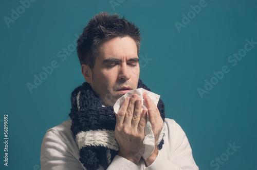 Erkälteter Mann