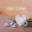 Herz und Blüten auf Holz - Glückwunschkarte