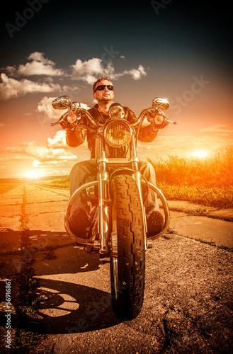 Fototapeten,biker,bike,graffiti,mann