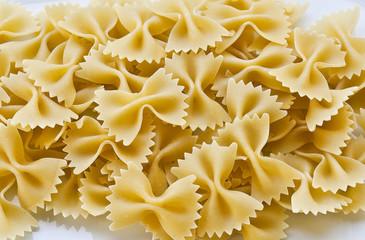 pasta italiana (farfalle)