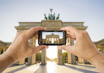 taking a picture a brandenburg gate