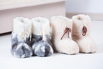 Natural woollen slippers