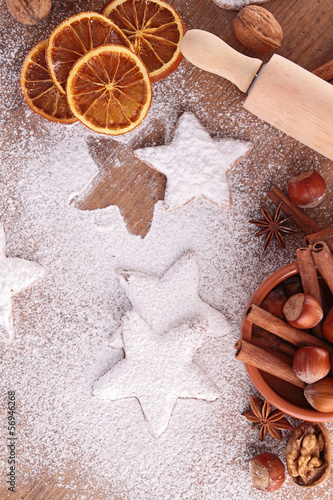 gingerbread with ingredient