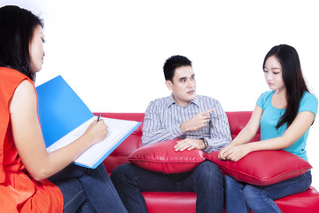 Couple with a problem consults to a psychologist