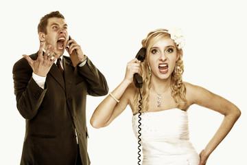 Wedding fury couple phone yelling, relationship difficulties