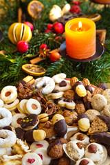 Plätzchen und Kekse zu Weihnachten