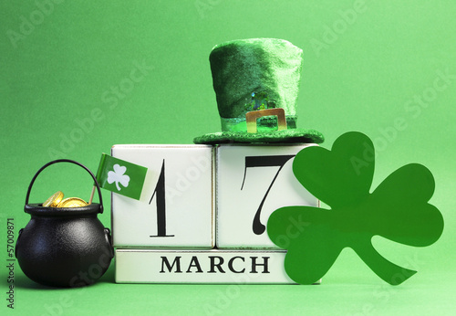 Save the date St Patrick's Day, March 17 calendar - 57009871
