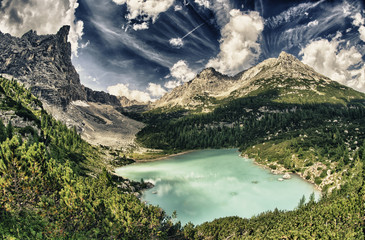 Lago di Sorapiss - Beautiful color of the mountain lake - Dolomi