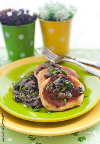 Potato pancakes with mushroom sauce