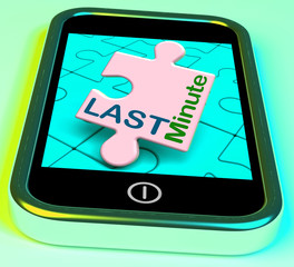 Last Minute On Phone Shows Late Vacation Hotel Or Flight