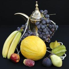 Orientalisches Obst-Stillleben