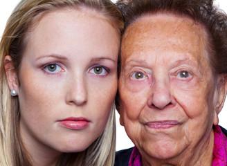 junge und alte Frau