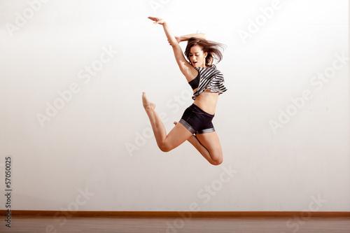 Plexiglas Dans Sexy jazz dancer in the air